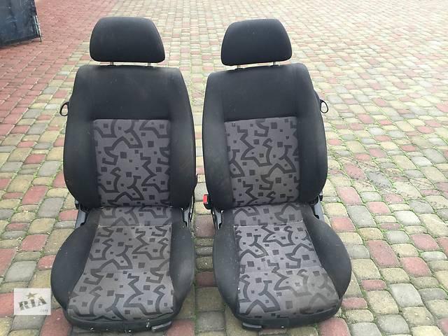 продам Б/у сиденье для хэтчбека Volkswagen Golf IV 1998-2003 бу в Ровно