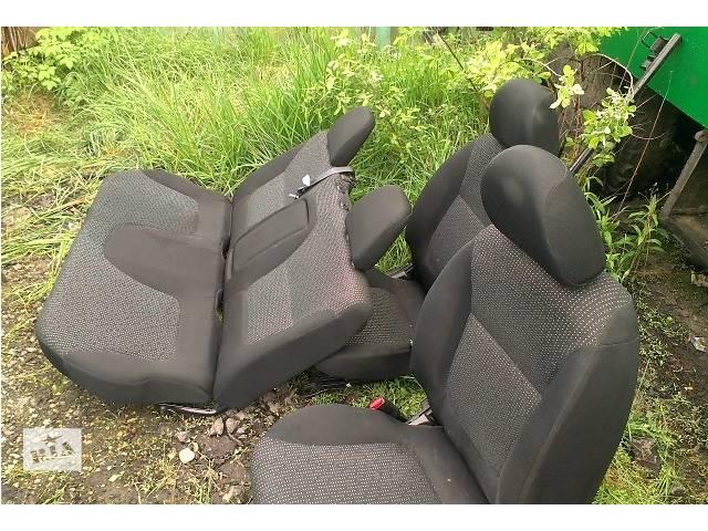 продам Б/у сиденье для кроссовера Mitsubishi L 200 бу в Ровно