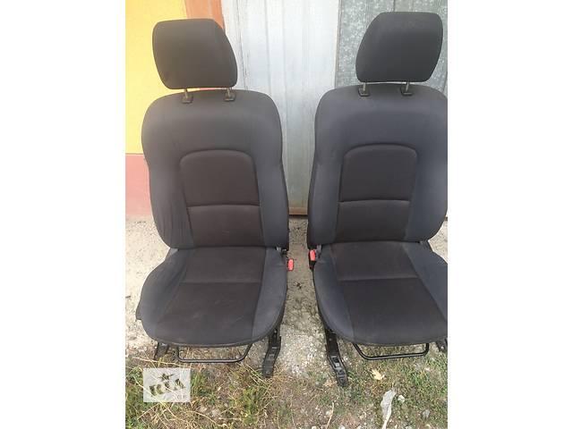продам Б/у сиденье для легкового авто Mazda 3 Sedan бу в Ужгороде