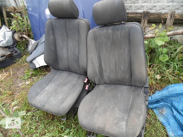 купить бу Б/у сиденье для легкового авто Mercedes 210 в Дубно (Ровенской обл.)