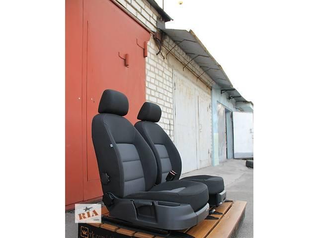купить бу Б/у сиденье для легкового авто Skoda Octavia A5 в Киеве