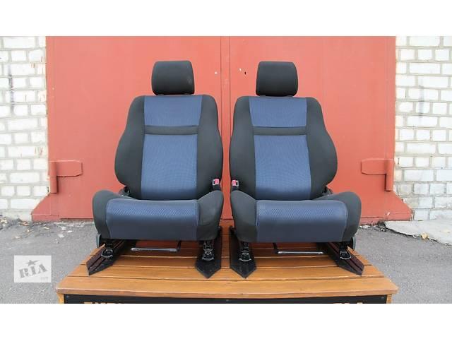 продам Б/у сиденье для легкового авто Toyota Corolla бу в Киеве