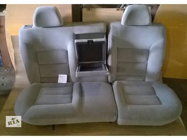 продам Б/у сиденье заднее для хэтчбека Volkswagen Golf IV 1998-2003г бу в Киеве