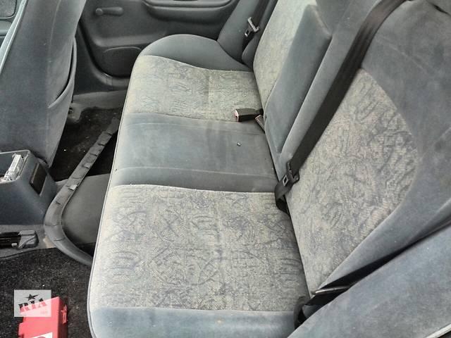бу Б/у сиденье заднее для седана Toyota Avensis 1999г в Николаеве
