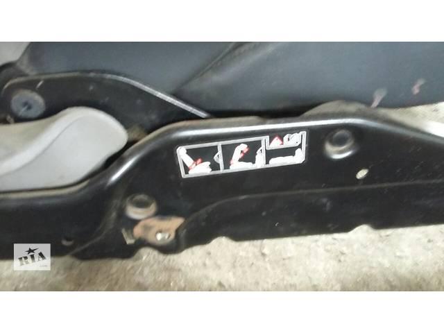 купить бу Б/у Сидіння Сиденье водія пасажира диван Renault Рено Кенго Канго 2 1,5 DCI в Луцке