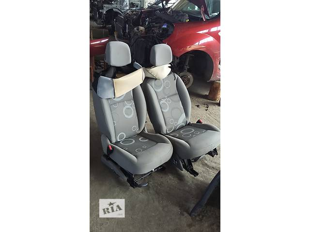 купить бу Б/у Сидіння водія сиденья для Renault Kangoo Кенго 1,5 DCI К9К 2008-2012 в Луцке