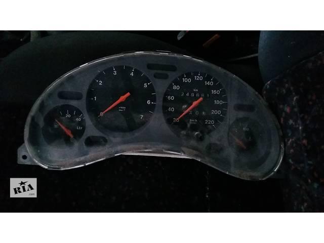продам Б/у тахометр для купе Opel Tigra бу в Ровно
