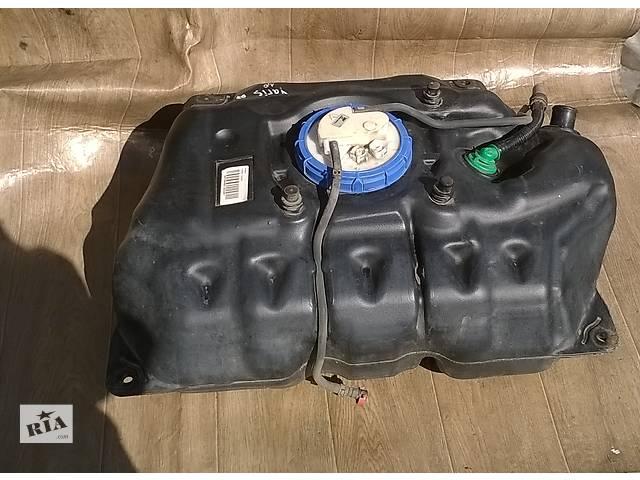 Б/у топливный бак 77001-0D070 для хэтчбека Toyota Yaris 2007г- объявление о продаже  в Николаеве