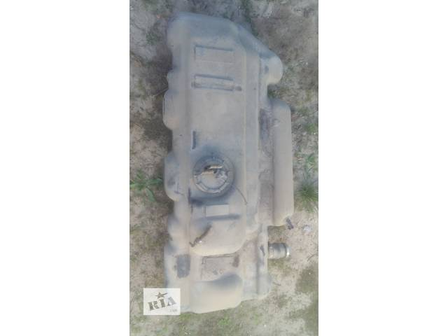продам Б/у топливный бак для легкового авто Mercedes Sprinter 212 бу в Ковеле