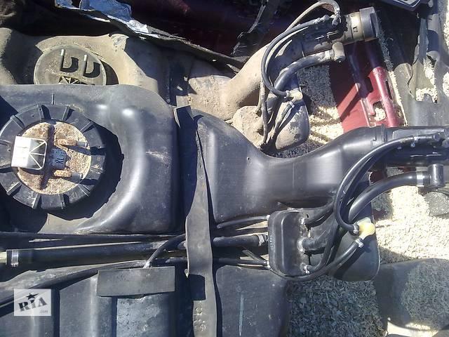 продам Б/у топливный бак для седана Opel Omega B бу в Ковеле