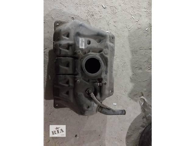 продам Б/у топливный бак для седана Toyota Yaris 2007 бу в Одессе