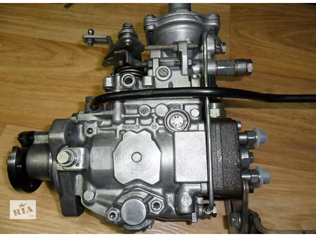 купить бу Б/у топливный насос высокого давления для легкового авто Ford Transit 2.5d (bosch) в Ковеле