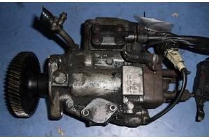 б/у Топливный насос высокого давления/трубки/шест Chrysler Voyager
