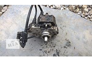 б/у Топливний насос високого тиску/трубки/шестерн Renault Master груз.