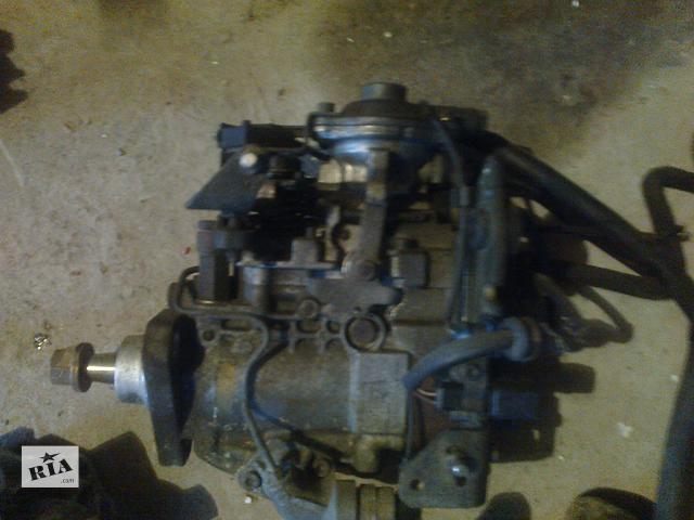 купить бу Б/у топливный насос высокого давления/трубки/шест для грузовика Renault Master2,5 в Яворове