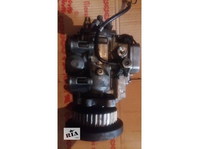 купить бу Б/у топливный насос высокого давления/трубки/шест для легкового авто Audi A4,A6 2.5 tdi в Ковеле
