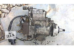 б/у Топливные насосы высокого давления/трубки/шестерни BMW 318