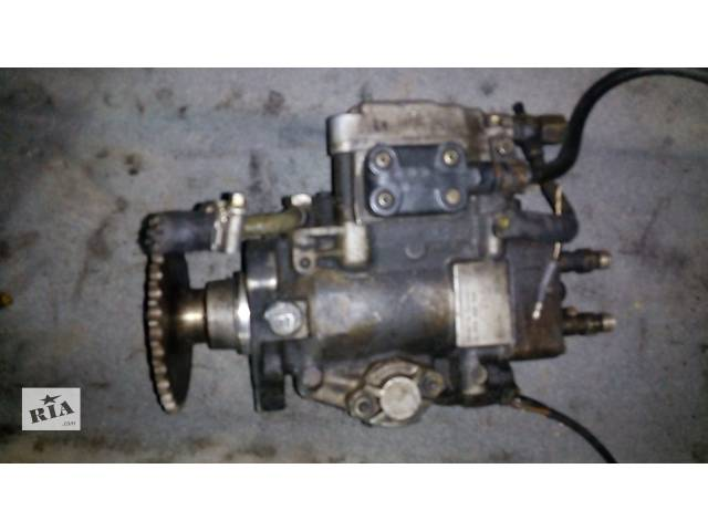 продам Б/у топливный насос высокого давления/трубки/шест для легкового авто Chrysler Voyager бу в Луцке