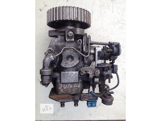 купить бу Б/у топливный насос высокого давления/трубки/шест для легкового авто Citroen Jumper 2.5 дизель (0460494460) в Луцке