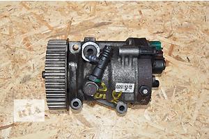 б/у Топливный насос высокого давления/трубки/шест Dacia Duster