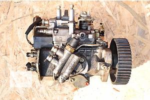 б/у Топливные насосы высокого давления/трубки/шестерни Fiat Bravo