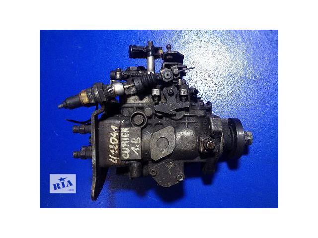 купить бу Б/у топливный насос высокого давления/трубки/шест для легкового авто Ford Courier 1.8D Bosch в Луцке