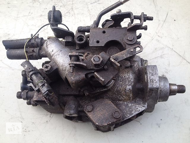 бу Б/у топливный насос высокого давления/трубки/шест для легкового авто Opel Combo 1.5 дизель (9460620001) в Луцке