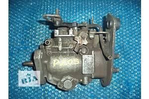б/у Топливные насосы высокого давления/трубки/шестерни Peugeot 205