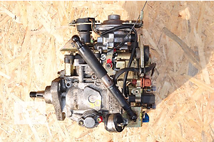 б/у Топливные насосы высокого давления/трубки/шестерни Peugeot 406