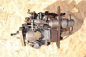 б/у Топливные насосы высокого давления/трубки/шестерни Renault 25