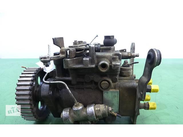 купить бу Б/у топливный насос высокого давления/трубки/шест для легкового авто Renault Kangoo 1,9D в Яворове