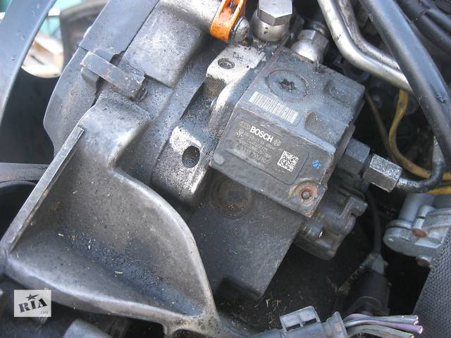 купить бу Б/у топливный насос высокого давления Volkswagen Crafter 2.5 tdi в Ровно