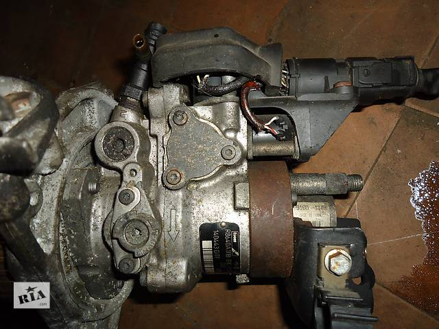 Б/у топливний насос високого тиску/трубки/шестерн для легкового авто Renault Kangoo 1.9- объявление о продаже  в Ковеле