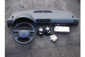 б/у Торпедо/накладка Audi A4