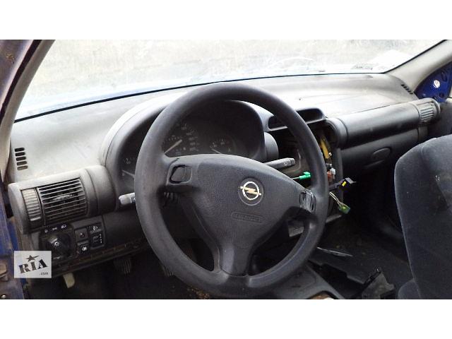 купить бу Б/у торпедо/накладка для хэтчбека Opel Corsa 1992 в Киеве