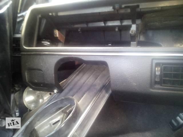 бу Б/у торпедо/накладка для хэтчбека Volkswagen Golf II в Ивано-Франковске