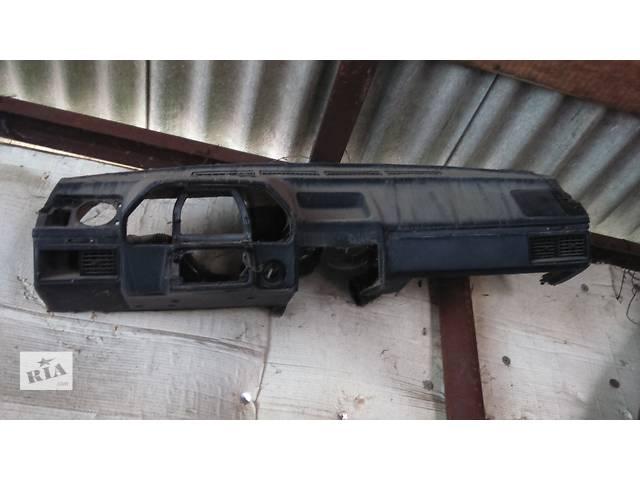 продам Б/у торпедо/накладка для легкового авто Audi 100 бу в Полтаве