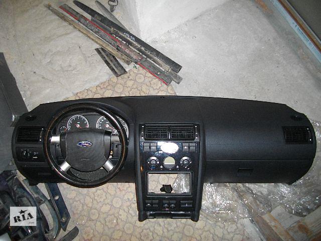 Б/у торпедо/накладка для легкового авто Ford Mondeo 2004- объявление о продаже  в Львове