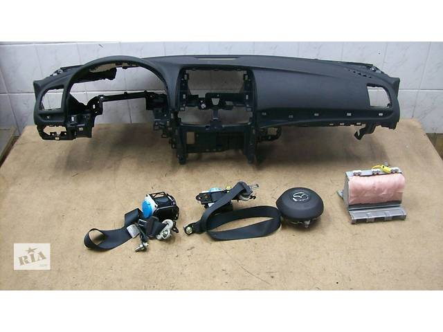 продам Б/у торпедо/накладка для легкового авто Mazda 6 бу в Ровно
