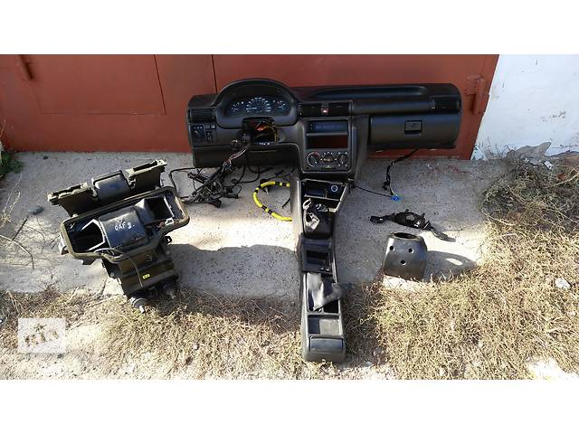 купить бу Б/у торпедо/накладка для легкового авто Opel Astra F в Умани