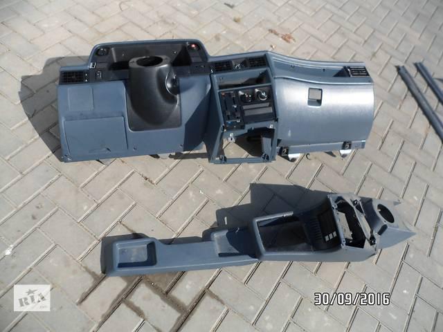 Б/у торпедо/накладка для легкового авто Opel Kadett- объявление о продаже  в Умани