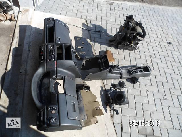 продам Б/у торпедо/накладка для легкового авто Opel Vectra A бу в Умани
