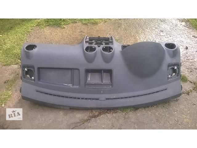 продам Б/у торпедо/накладка для легкового авто Volkswagen Caddy бу в Ивано-Франковске