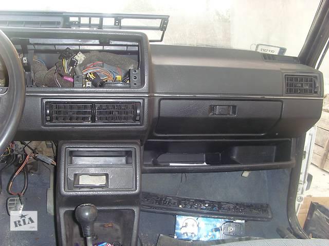 продам Б/у торпедо/накладка для легкового авто Volkswagen Jetta бу в Борщеве (Тернопольской обл.)