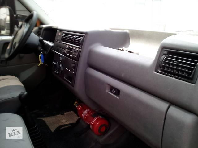 бу Б/у торпедо/накладка для легкового авто Volkswagen T4 (Transporter) в Ивано-Франковске