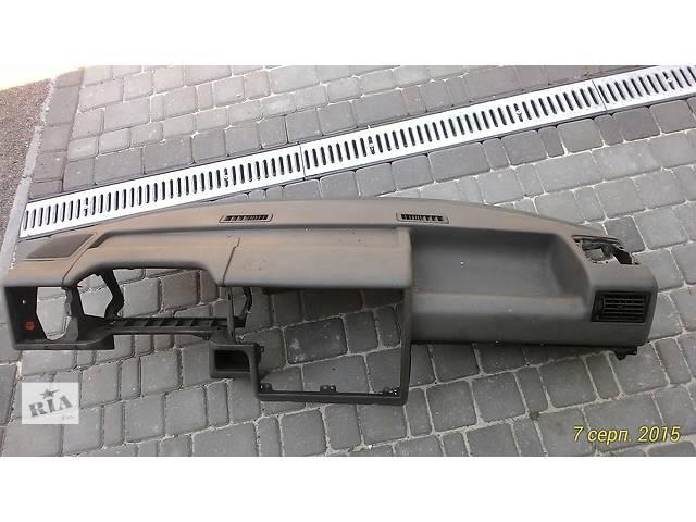бу Б/у торпедо/накладка для легкового авто Volkswagen T4 (Transporter) в Яворове