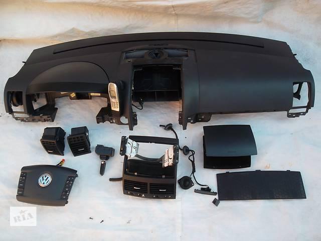 продам Б/у торпедо/накладка для легкового авто Volkswagen Touareg бу в Сумах