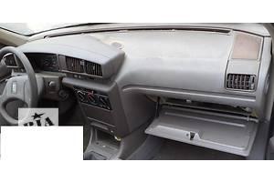 б/у Торпедо/накладка Peugeot 405