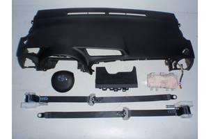 б/у Торпедо/накладка Toyota Yaris