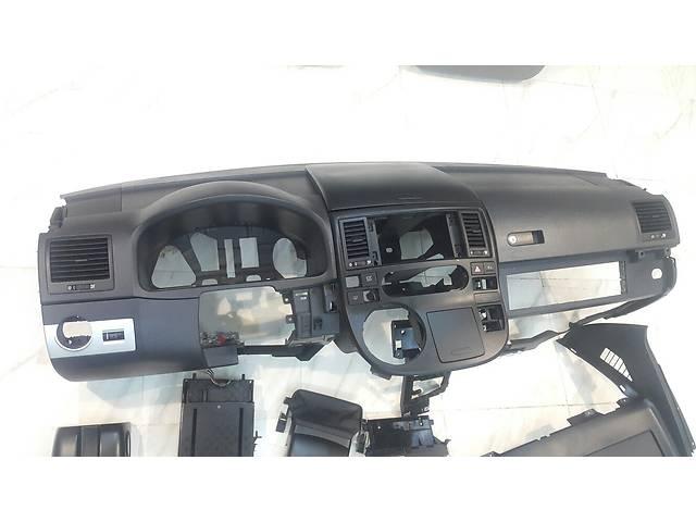 продам Б/у торпедо/накладка Volkswagen Multivan бу в Белгороде-Днестровском